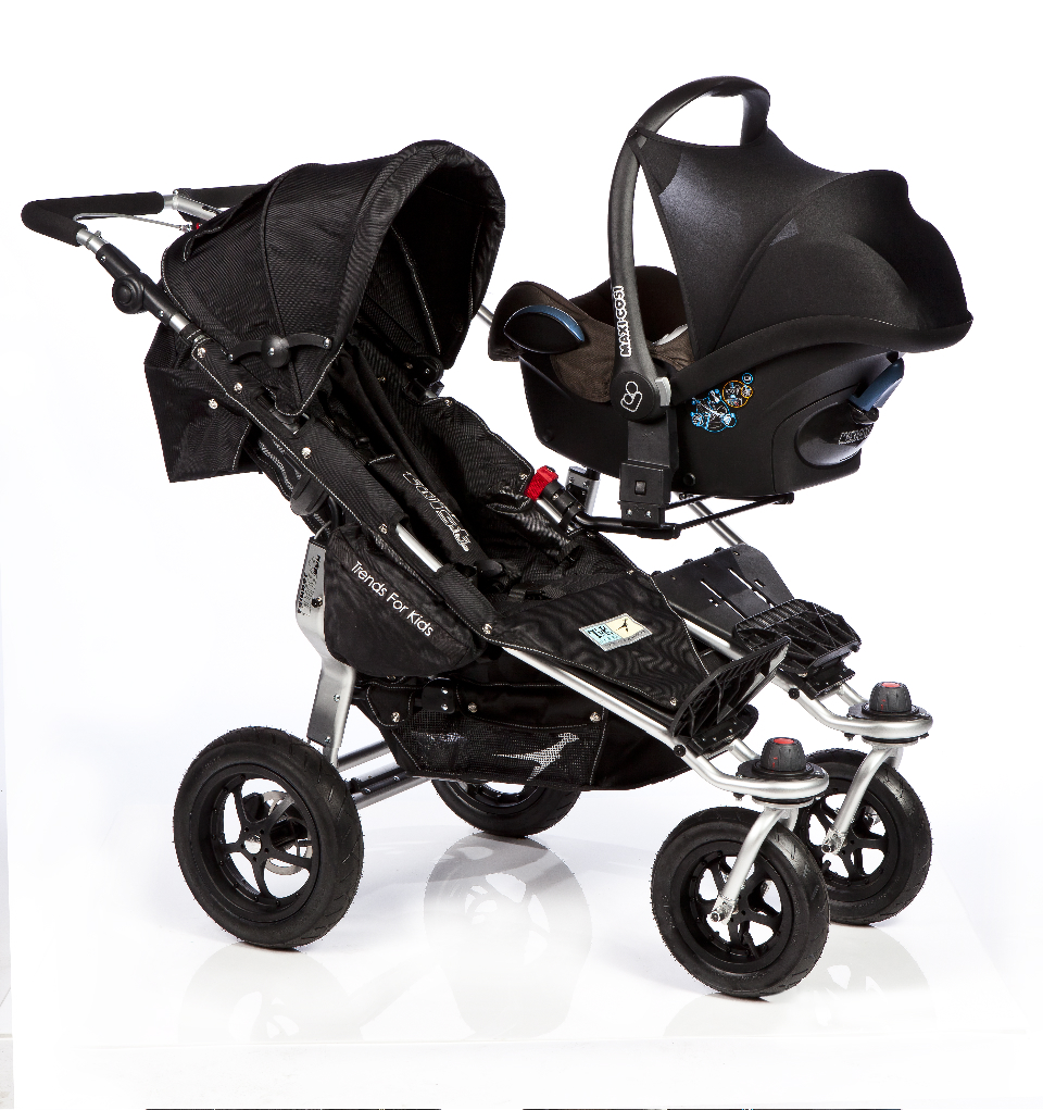 How To Choose Baby Pram together with Mothers 18lb Twins Britains Heaviest Sets Sara Chiad Hasland Derbyshire additionally Istanabayi   images cocolatte C1020 blue besides Article 2240703 further Three Of Cutest Best Baby Doll. on twin babies in car seats