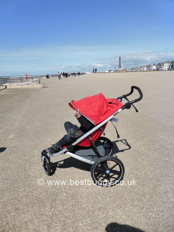 thule urban glide review by best buggy best buggy. Black Bedroom Furniture Sets. Home Design Ideas
